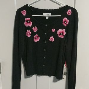 Elle embroidered sweater M